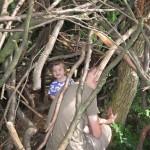 Vi fandt en hule i skoven.