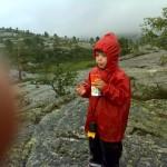 Da vi fandt cachen fik vi en æblejuice og en kviklunch
