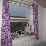 Så kom gardinerne op - de skal bare lige rettes til i bunden