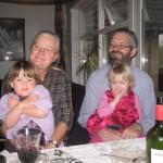 Farfar/morfar og farmor/mormor med Ellen og kusine Ann Kathrine