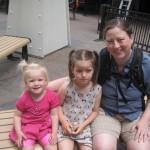 Tre piger - og Ellen vil altså hellere tage billeder end blive taget billeder af