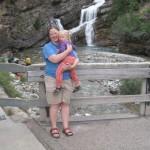 Trine og Karen foran Colombia Falls